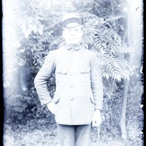 Mężczyzna w mundurze